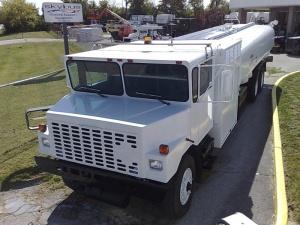 OSHKOSH A/ S32R-11 Aircraft refueling truck
