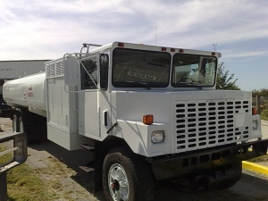OSHKOSH aircraft refueling truck