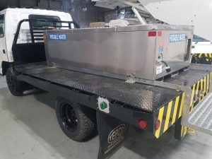 Custom Isuzu Potable Water Service Truck