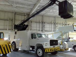 FMC LMD 2000 Aircraft Deicer Truck