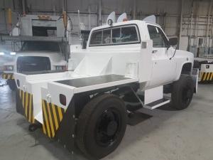 Eagle Bobtail Tow Tractor